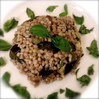 Insalata di grano saraceno con verdurearrostite