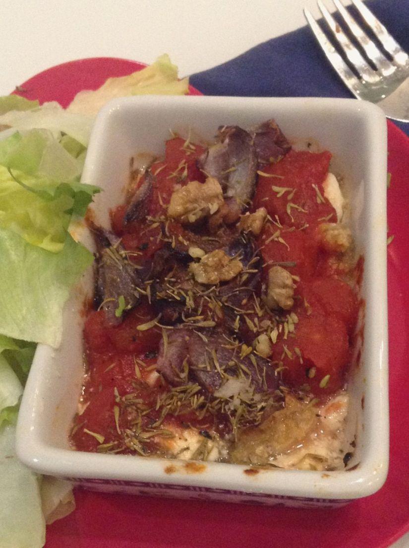 Feta gratinata con pomodoro ecipolle