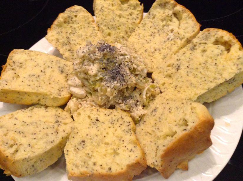 Cupcake  di farro al formaggio e crema di indiviabelga