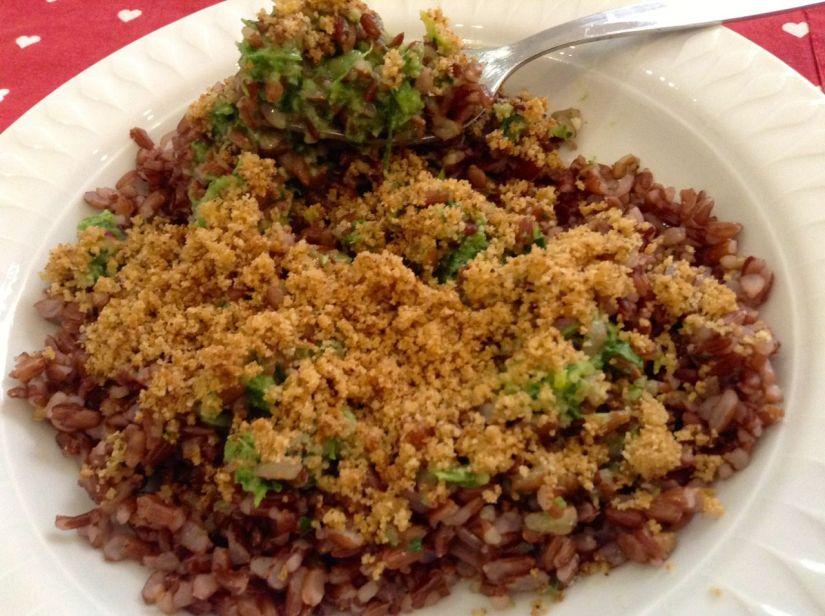 Riso rosso al pesto profumato di spinaci erucola