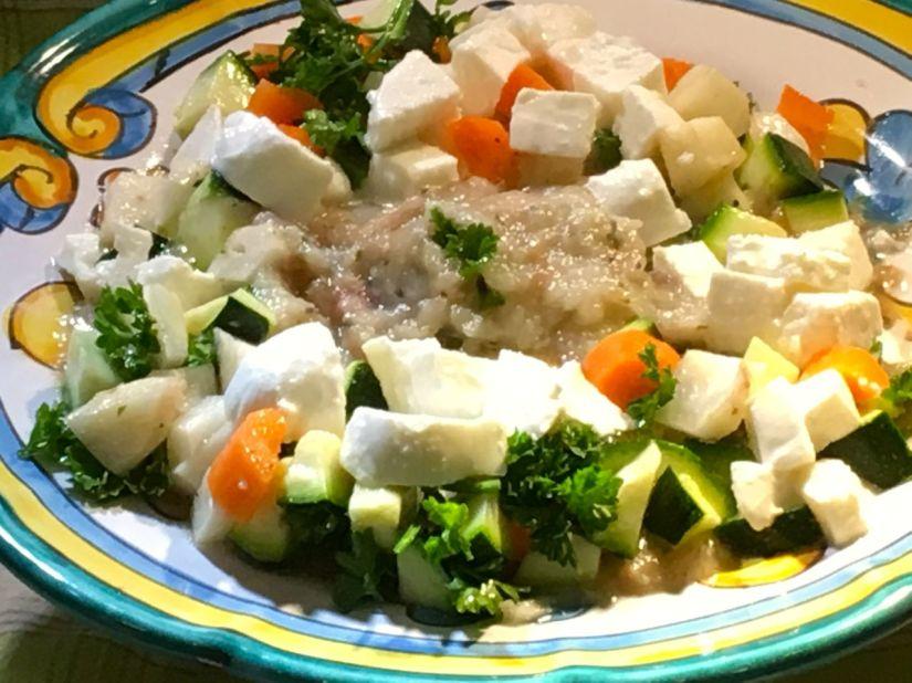 Mozzarella, crema di melanzana e dadolata di verdure : tanto facile, tantogustosa